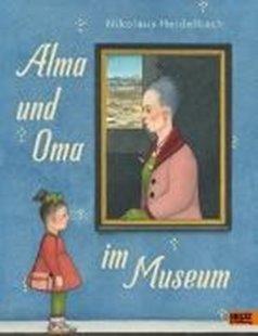 Bild von Alma und Oma im Museum